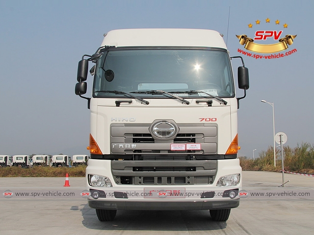 Front view of 6X4, 380HP, Tractor Head, HINO