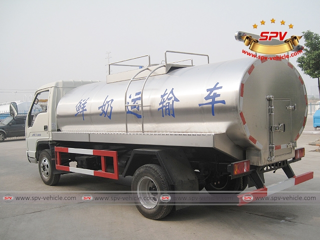 Left back side view of 4,000 Litres Milk Tank Truck-Forland