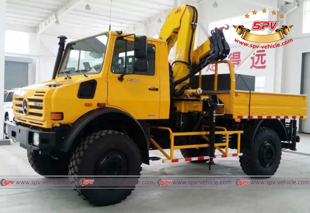 Mercedes Benz truck mounted crane available in SPV, China