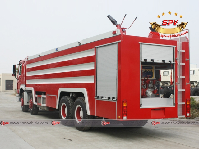 Left Back View of Fire Fighting Vehicle - HOWO 8x4