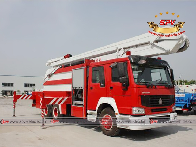 Right Front View of Water Foam Boom Fire Truck - Sinotruk
