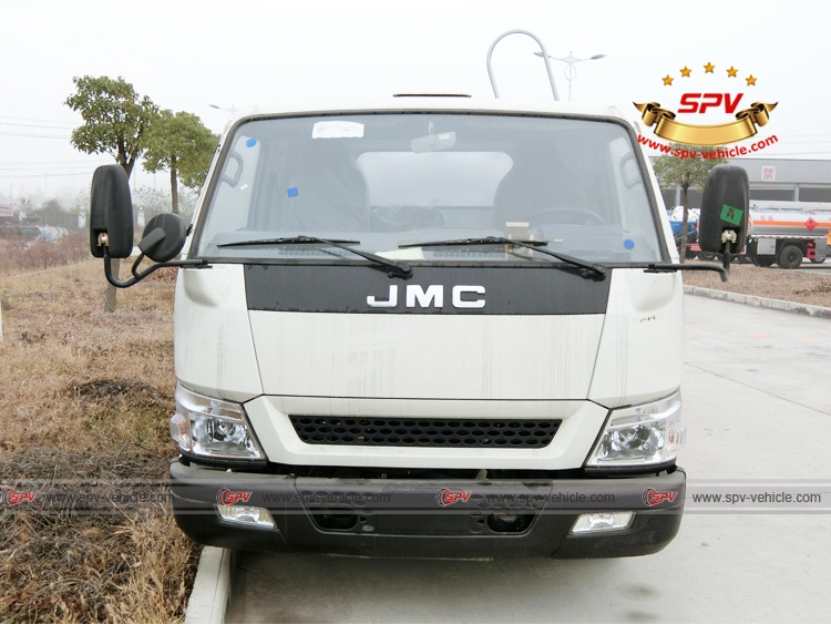 Front View of Stainless Steel Fuel Tanker JMC