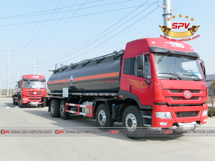 Right front view of Chemical Liquid Tanker Truck FAW