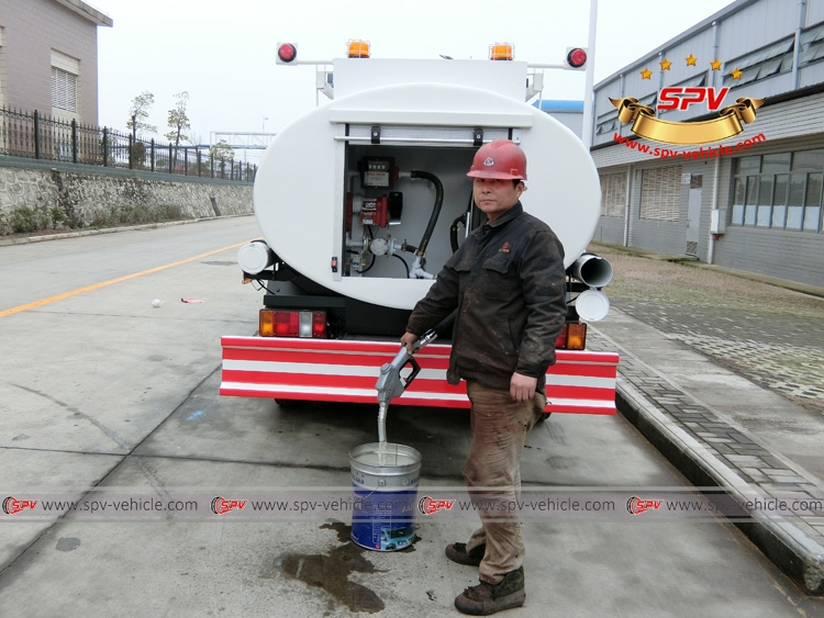 Stainless Steel Fuel Tank Truck ISUZU (capacity: 4,000 liters) Electrical Pump System