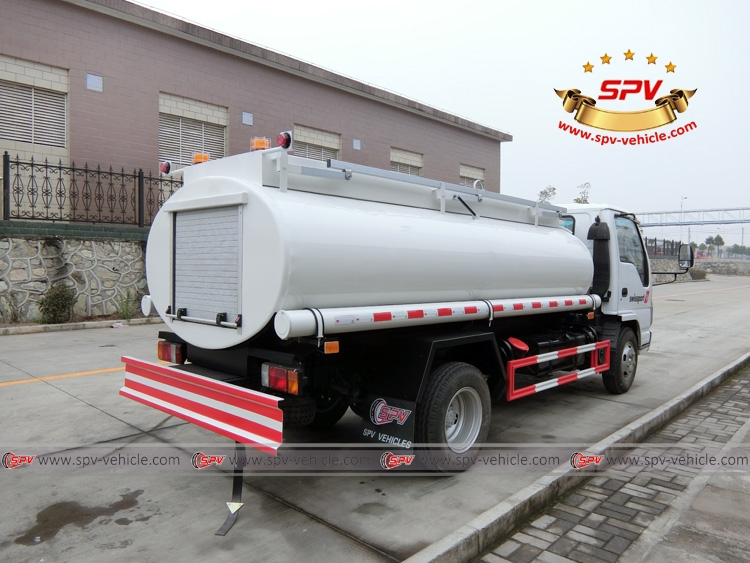 Stainless Steel Fuel Tanker Truck ISUZU (4,000 liters) Rear Right View