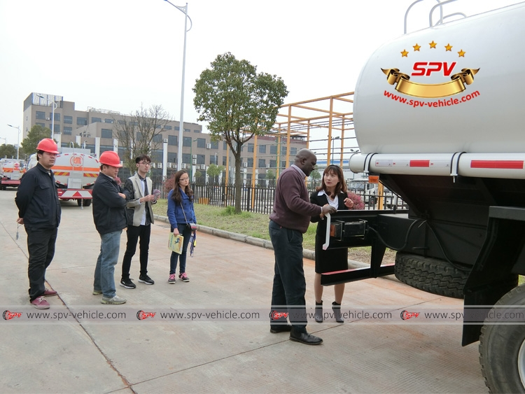 Sierra Leone client came for inspection on IVECO water bowser (Genlyon)