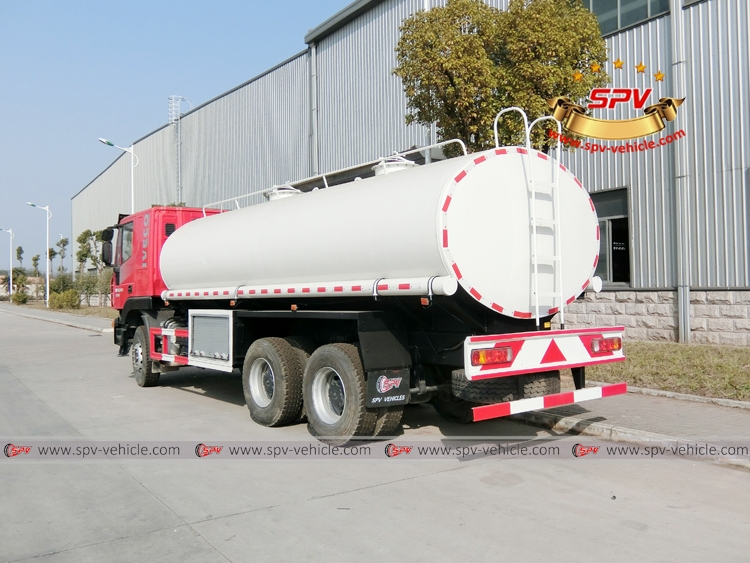 Rear Left View: Water Bowser 20,000 liters IVECO Red