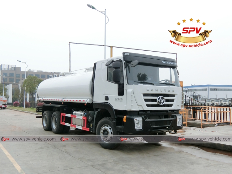 Right Left View: Water Bowser 20,000 liters IVECO White