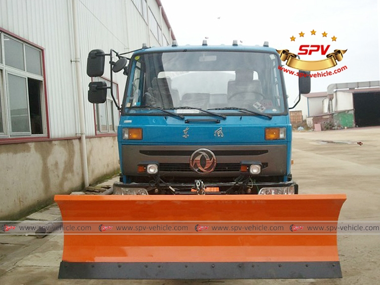 Water Tank Truck with snowplow-F