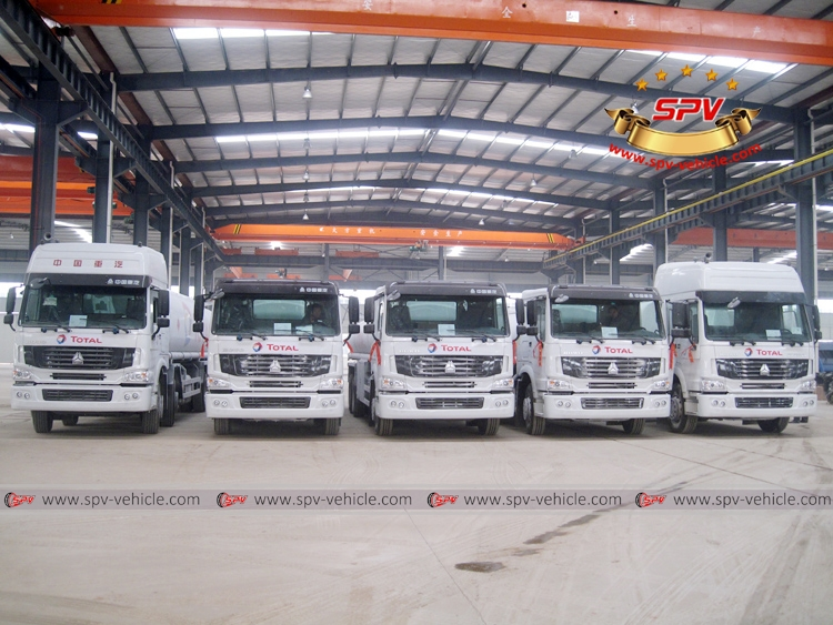 To Gambia - 5 units of Sinotruk Oil Bowsers - F