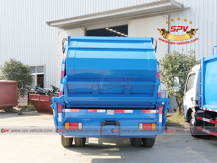 8 CMB Compactor Garbage Truck Sinotruk - B