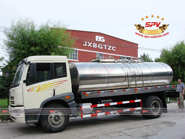 8,000 Litres Stainless Steel Milk Truck FAW - LS
